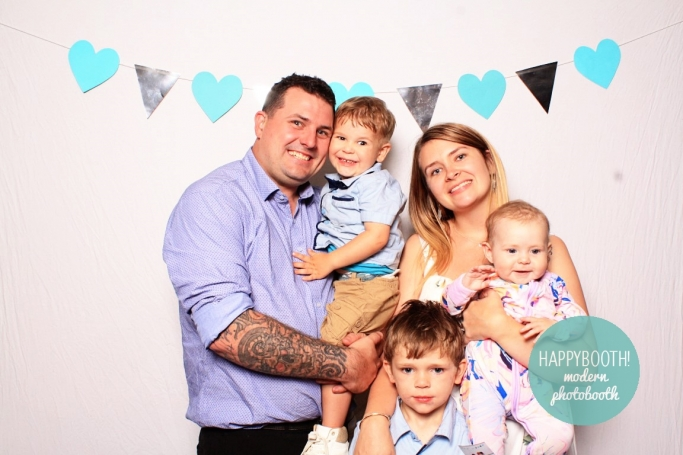 happybooth photo booth hire tamworth coffs harbour